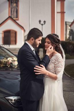 Glückliches Brautpaar Hochzeitsfloristik von Ganz Unverblümt