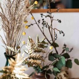 Natürliche Blumen bei Hochzeitsfloristin Franzi von Ganz Unverblümt