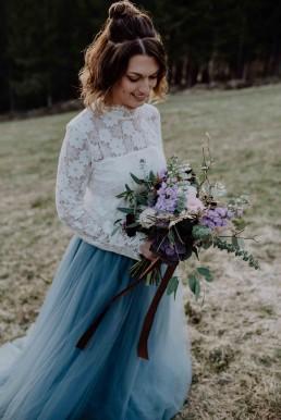 Brautstraußabwicklung mit Band farblich passend von Ganz Unverblümt Bayrischer Wald