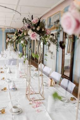 Blumiger Metallständer Gold als Tischschmuck für Hochzeit Straubing Deggendorf