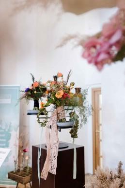 Besondere Hochzeitsfloristik im Boho Exotic Stil von Ganz Unverblümt Bayrischer Wald