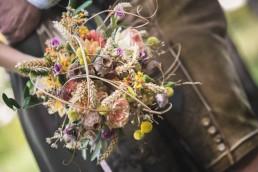 Natürlich rustikaler Brautstrauß mit Ähren von Ganz Unverblümt Straubing Deggendorf