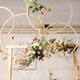 Holzringe mit Blumen in Herbsttönen von Ganz Unverblümt Straubing