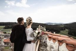 Hochzeitsfloristik Boho mit Brautstrauß von Florist Ganz Unverblümt Bayerischer Wald